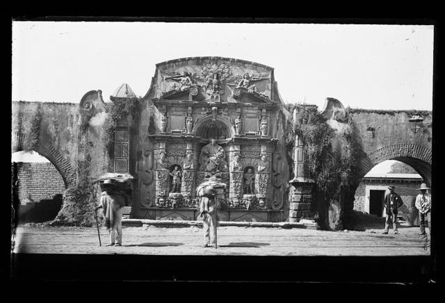 [Studies of cargadors, Mexico City]