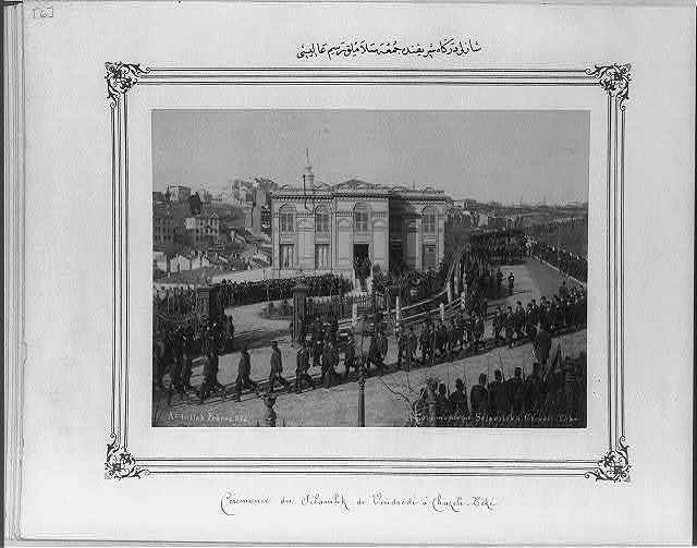 [The Selamlık (Sultan's procession to the mosque) at the Şazli Dervish Lodge on Friday] / Abdullah Frères.