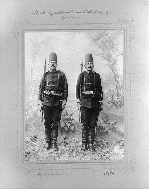 [The soldiers of the military engineers] / the photograph studio of the Imperial School of Engineering.