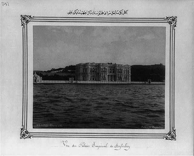 [View from the sea of the Imperial Palace on the shores of Beylerbeyi] / Abdullah Frères.