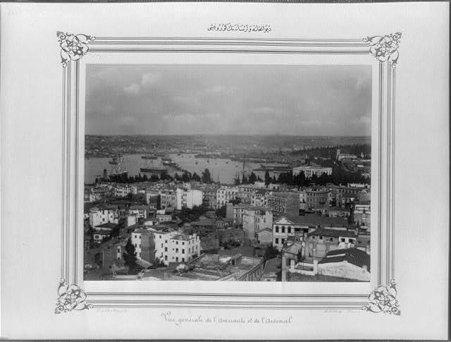 [View of the Divanhane (Council Chamber) and the shipyard] / Constantinople, Abdullah Frères.