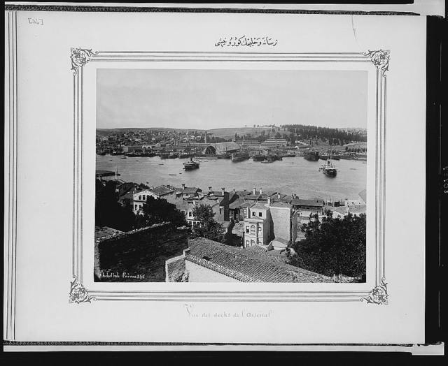 [View of the Naval arsenal and the Golden Horn] / Abdullah Frères.