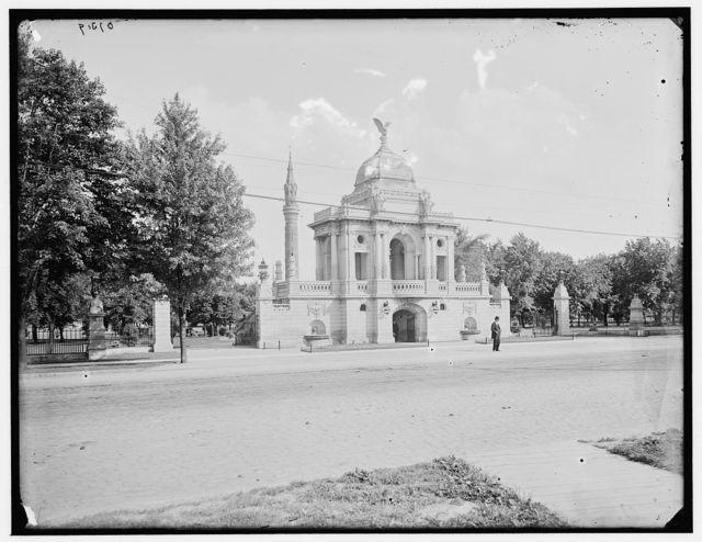[Water Works Park, Hurlbut Memorial Gate, Detroit, Mich.]