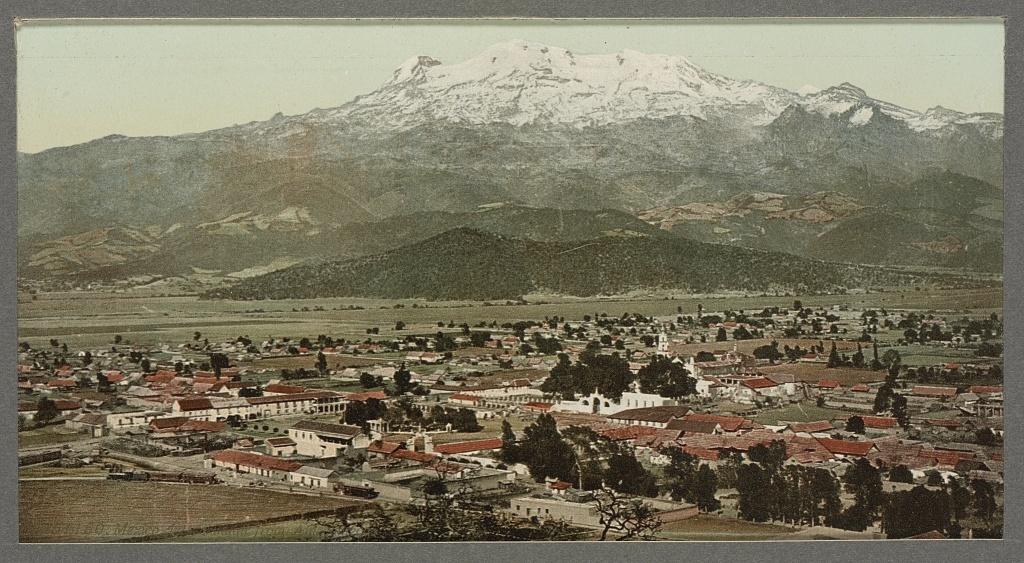 Mexico, Ixtacchihuatl from Amecameca