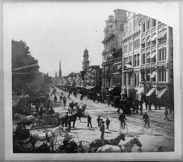 Connecticut bicycle parade at Hartford, Conn. view of Main St. looking north from Exchange Corner