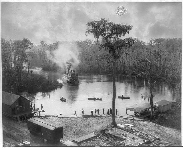 [Fla. - Silver Spring - sternwheeler coming into landing; railroad station in left foreground]