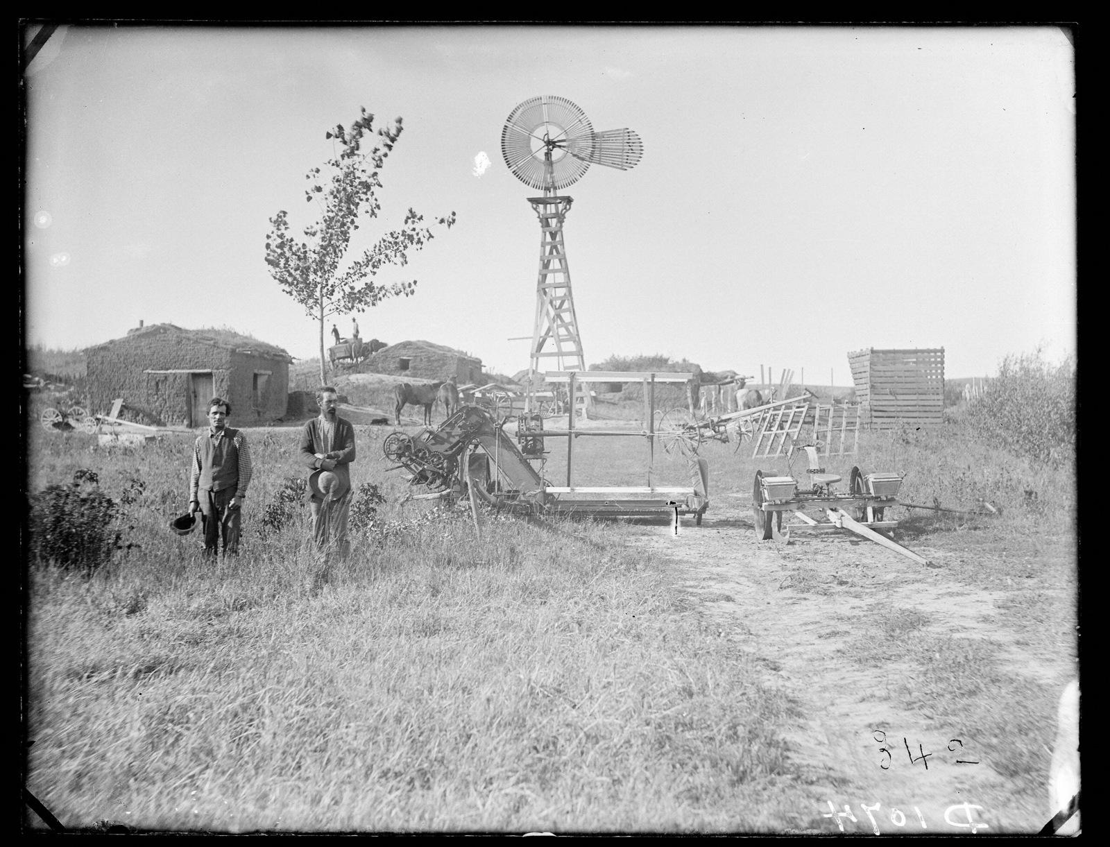 James Stennard (?) sod house, West Union, Custer County, Nebraska.