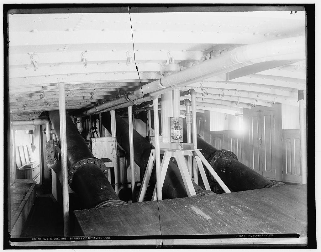 U.S.S. Vesuvius, barrels of dynamite guns