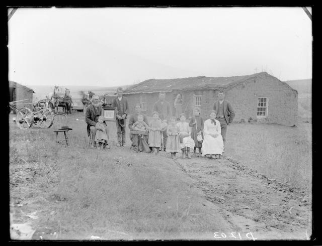 Henry Luther home in Algernon Township, near Mason City, Custer County, Nebraska.