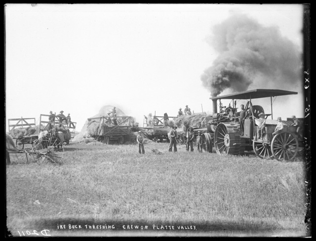 Ike Buck crew threshing in the Platte Valley near Gibbon, Buffalo County, Nebraska