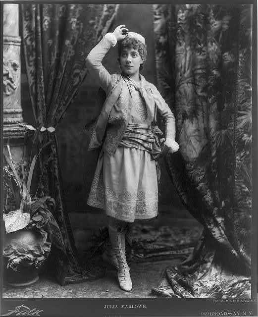 Julia Marlowe [as Viola]