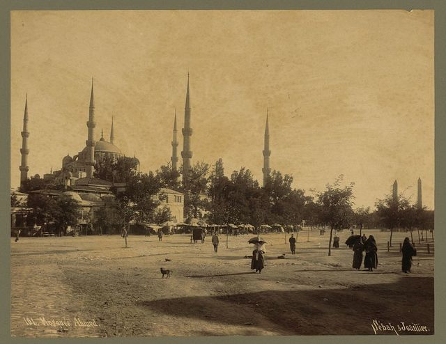 [People on plaza outside the Sultanahmet Camii (mosque)] / Sébah & Joaillier.