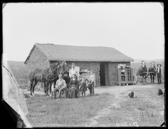 Will Roberts, four miles east of Broken Bow, Custer County, Nebraska.