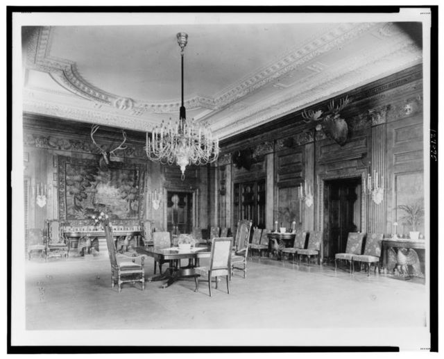 [Dining(?) room in the White House, Washington, D.C.]