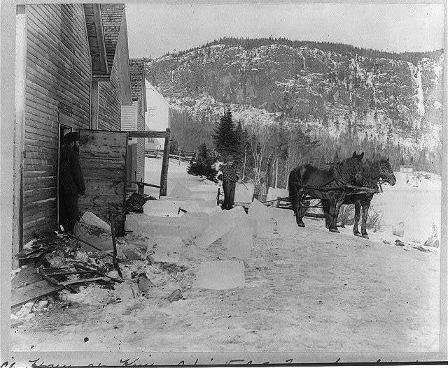 [Filling ice house at Mt. Kineo, Moosehead Lake, Maine]