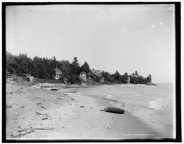 Beach and club house, Harbor Point