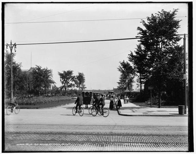 Belle Isle bridge approach, Detroit