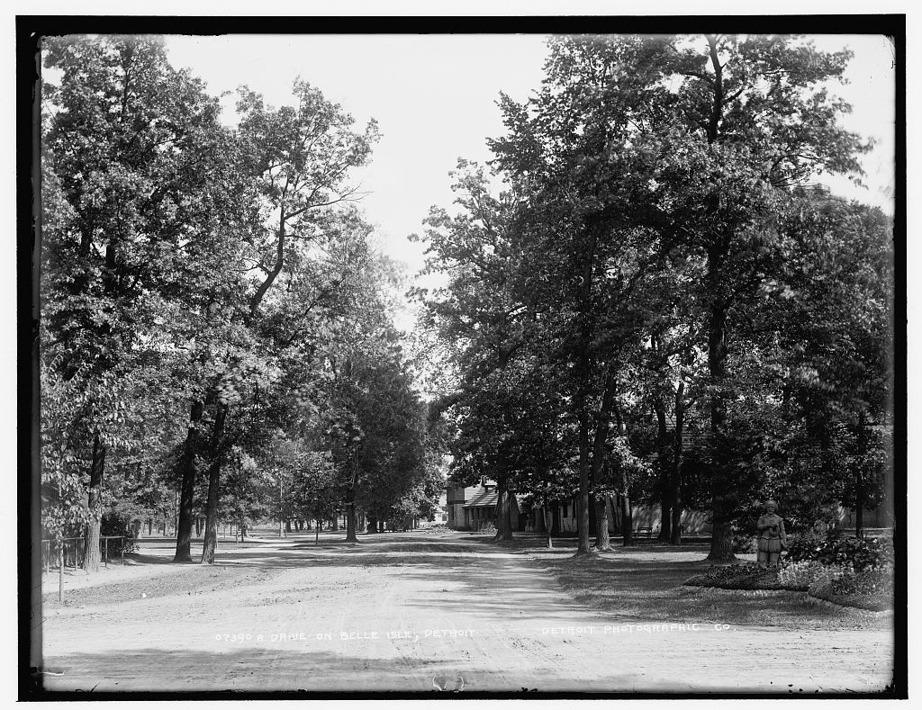 Drive on Belle Isle [Park], Detroit