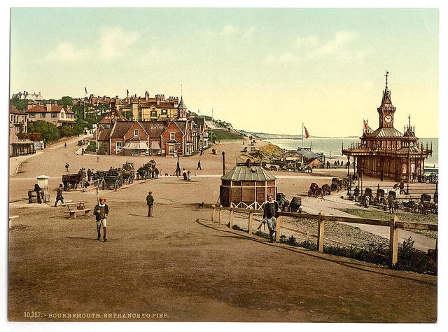 [Entrance to the harbor, Bournemouth, England]
