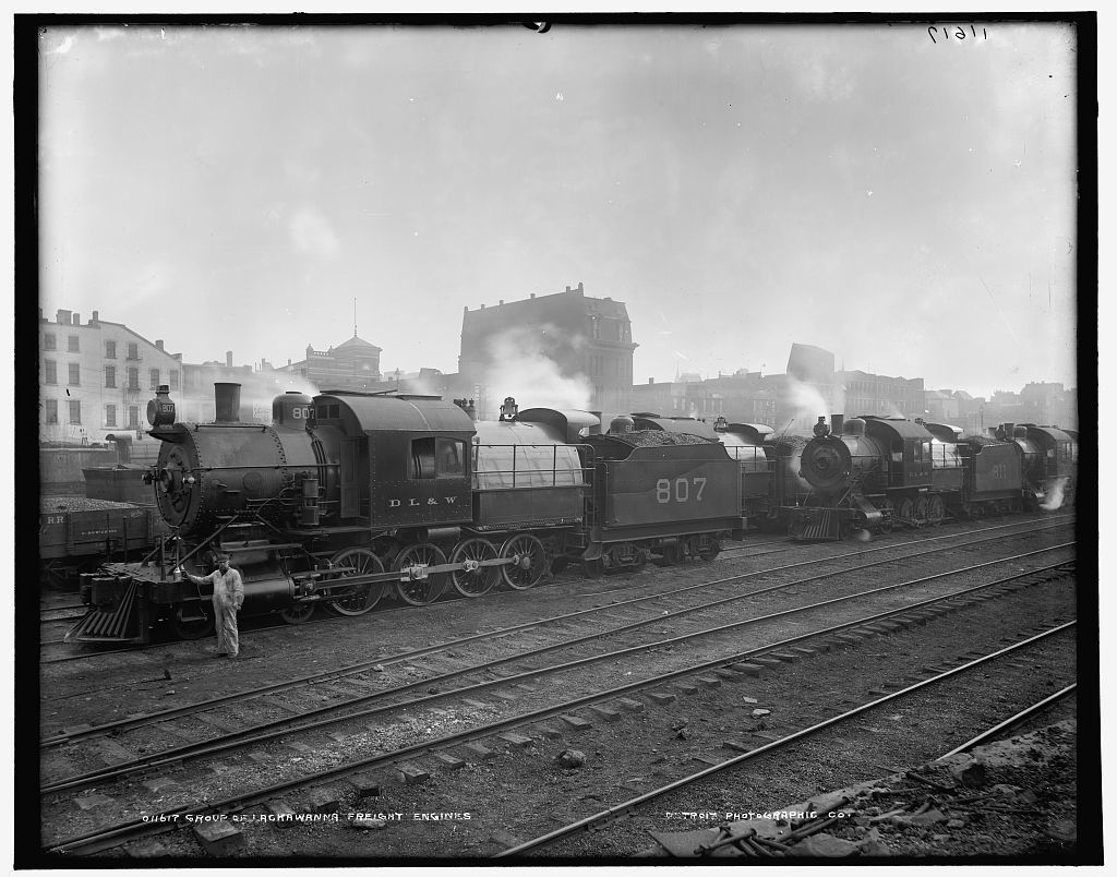 Group of Lackawanna freight engines