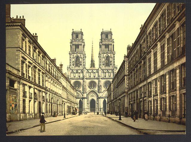 [Joan of Arc Street, Orléans, France]