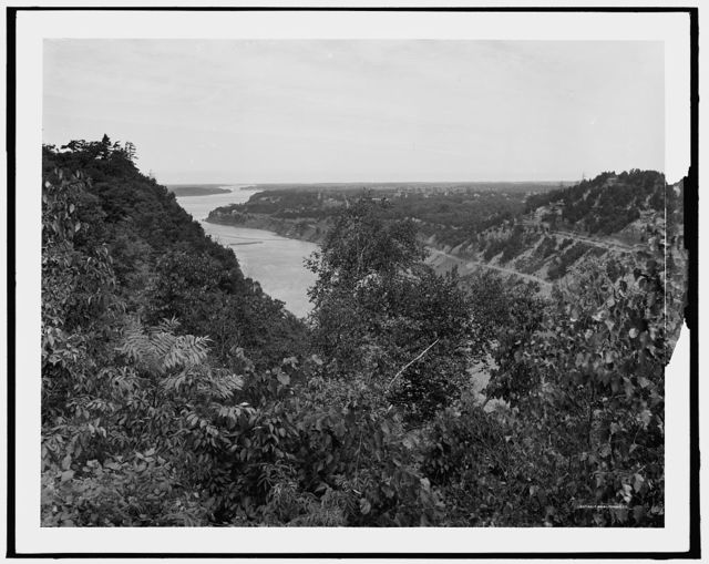 Niagara gorge from near Queenstown [sic] Heights, N.Y. [and Canada]