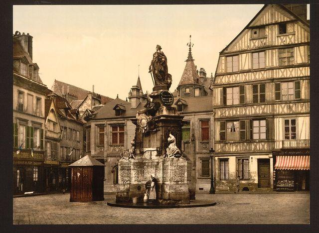 [Place de la Pucelle, Rouen, France]