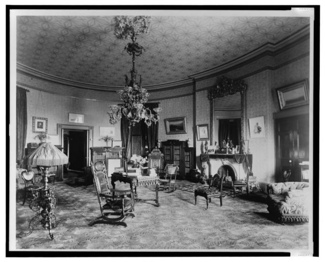 Pres. library as living room, White House, Washington, D.C.
