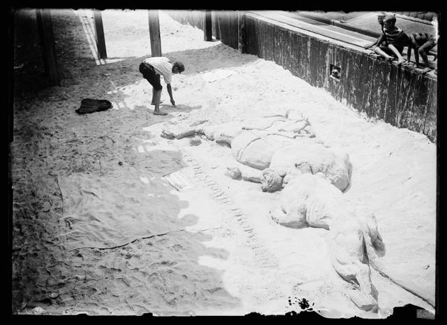 [Sand sculpture, probably Atlantic City, N.J.]