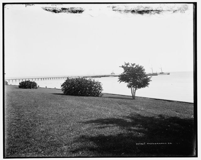 Shore Drive and Lake St. Clair, Grosse Pointe