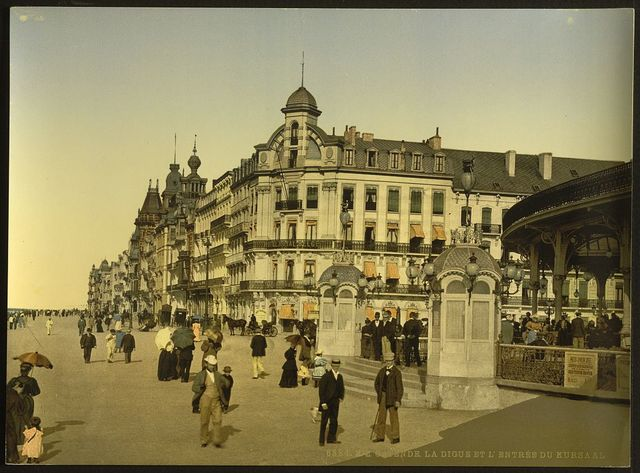 [The embankment and entrance to the Kursaal, (i.e., Cursaal), Ostend, Belgium]