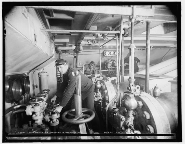 U.S.S. Vesuvius, air chambers of dynamite guns