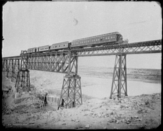 Encarnacion Bridge, F.C.C.M.