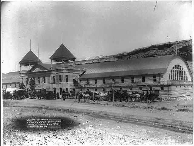 """Hot Springs, S.D."" Exterior view of largest plunge bath house in U.S. on F.E. and M.V. R'y"
