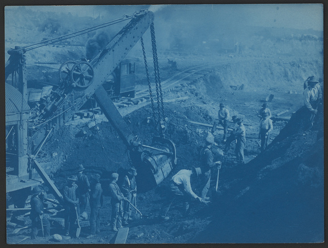 [Men working near a steam shovel in Duluth, Minnesota]