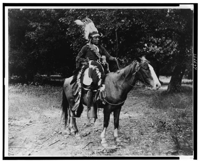 Scout Mobiel, in Kiowa war time costume