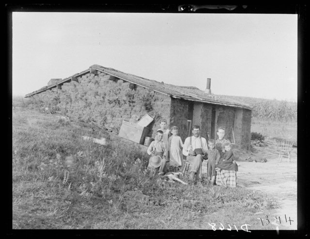 Charles Amsberry's semi-dugout, near Berwyn, southwest Custer County, Nebraska.