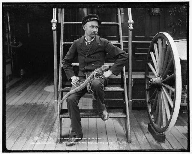 U.S.S. New York, Admiral Sampson's steward and his pet