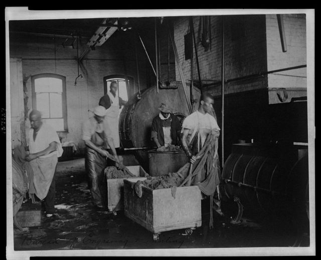 [African American workers doing laundry at the Bureau of Engraving & Printing]