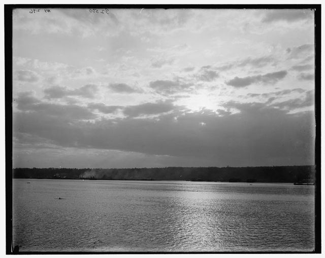[Clouds on the Hudson]