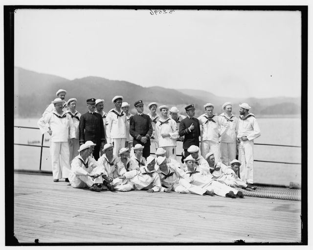 [Group of New York naval reserves]
