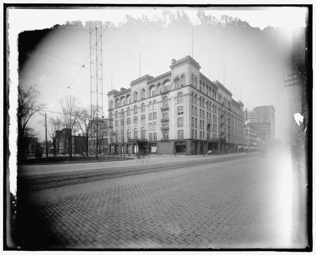 [Hotel Cadillac and Washington Boulevard, Detroit, Mich.]
