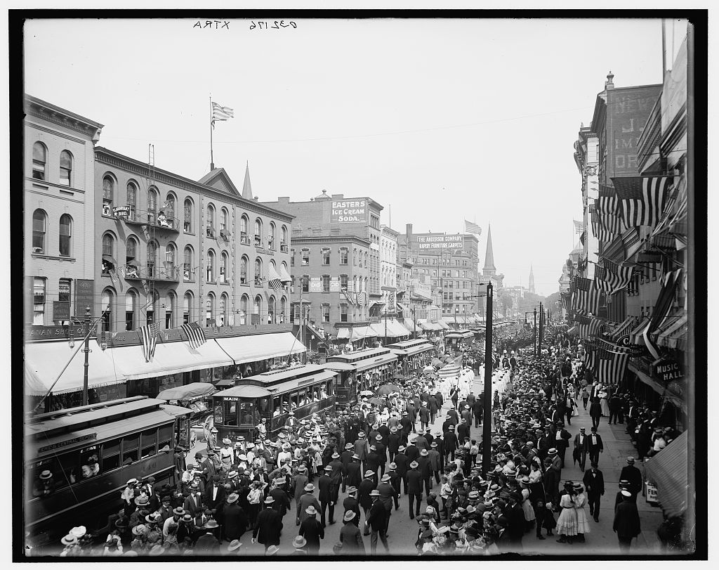 [Labor Day parade, Main Street, Buffalo, N.Y.]