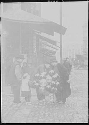 Jewish balloon man, Chinatown, San Francisco