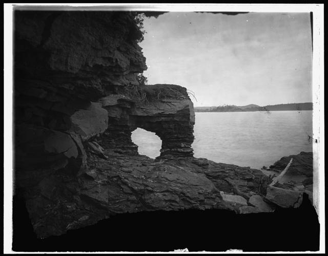 Arch Rock, Presque Isle, Marquette, Mich.