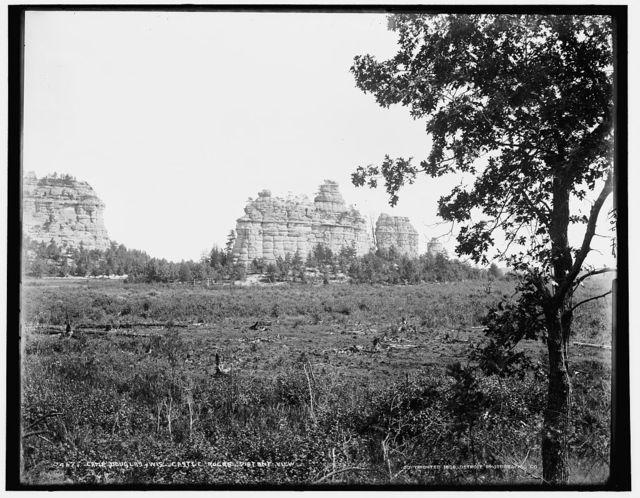 Camp Douglas, Wis., Castle Rocks, distant view