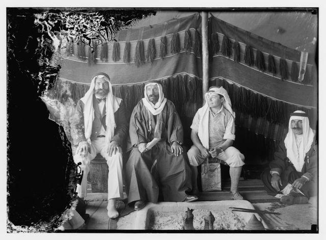 [El-Azrak & Wadi Sirhan in the Arabian desert. Druse [i.e., Druze] political refugees from Jebel Druse (The Hauran). Sheikh Sultan el-Atrash, leader of Druse revolt in October, 1925 and others]