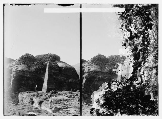 Petra, obelisk