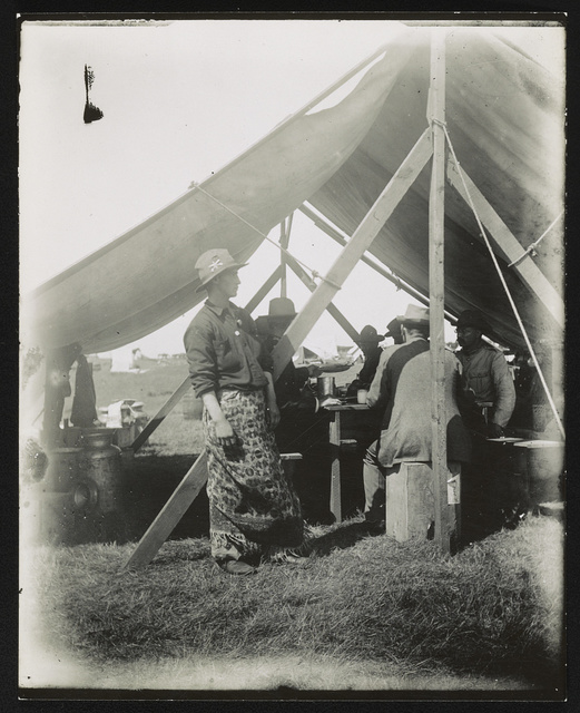 [Theodore Roosevelt at mess, Rough Riders military camp, Montauk Point, New York]