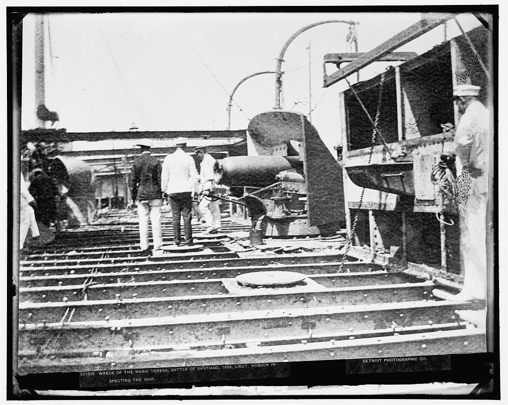 Wreck of the Maria Teresa, Battle of Santiago, 1898, Lieut. Hobson inspecting the ship